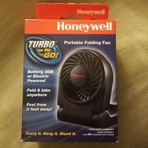 "Honeywell ""Turbo on the Go!"" Portable Folding Fan"